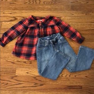 Old navy top with jeans size 3T like brand new